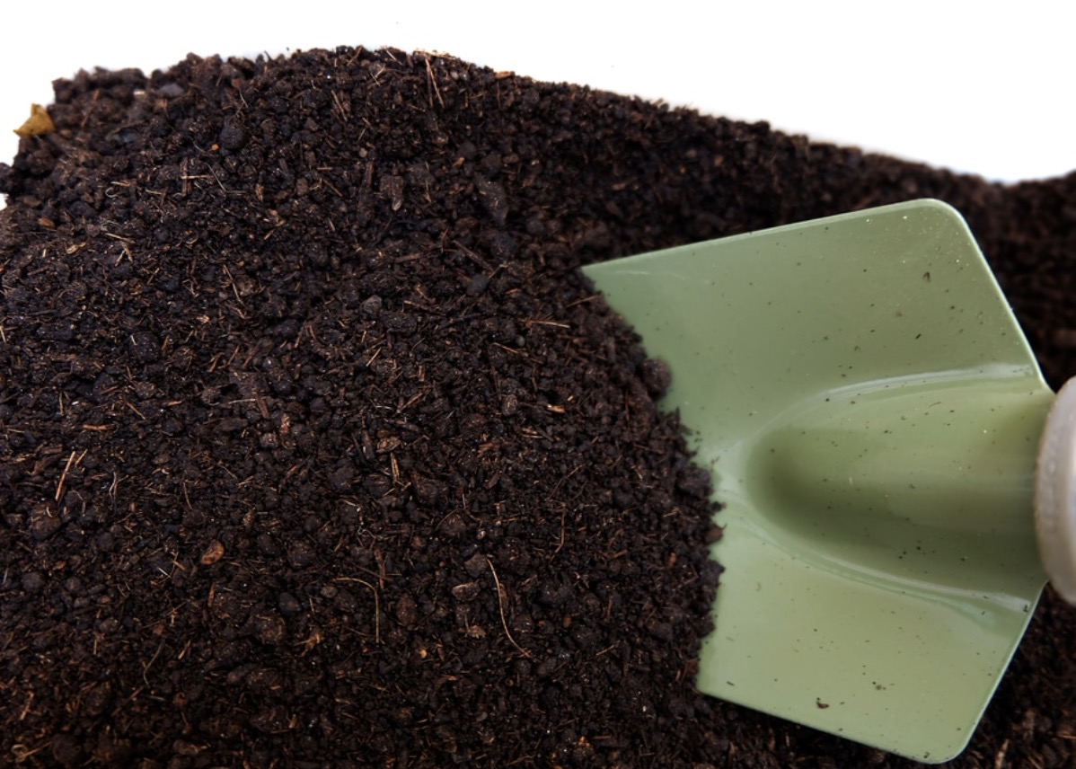 Using organic fertilizer can save the environment.