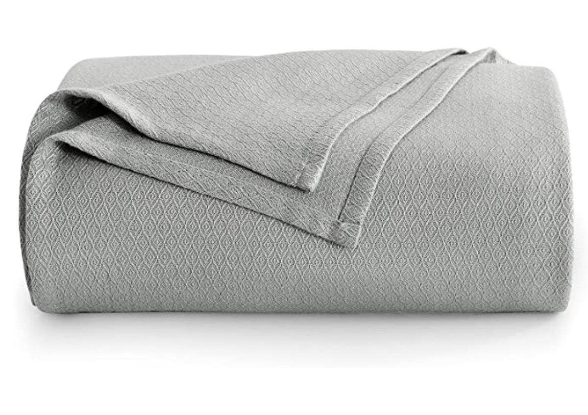 Avoalre Cooling Bamboo Blankets
